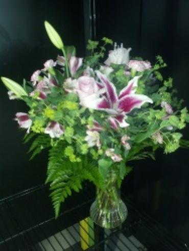 Pink lillies and Rose bouquet