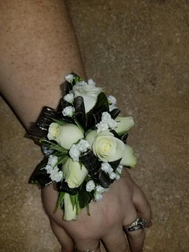 Standard Wrist Corsage With Babies Breath